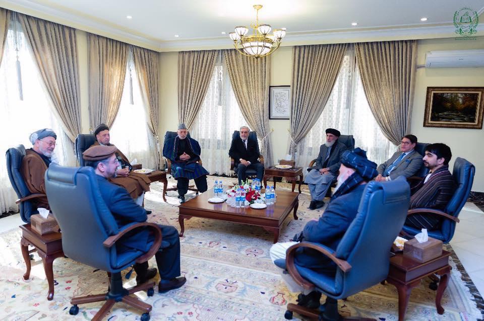 نشست رهبران احزاب سیاسی و شخصیتهای ملی