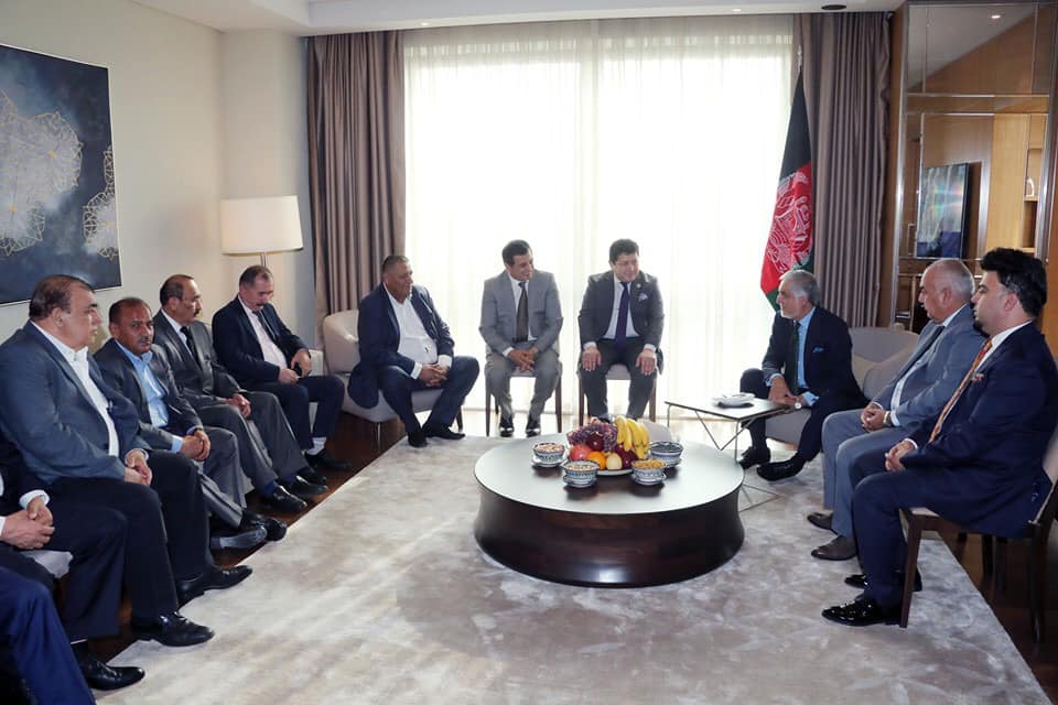 رییس اجراییه با شماری از تجار افغان مقیم تاشکند دیدار کرد